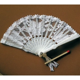 "Folding lace Fan shaped 8 cms, 3""."