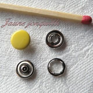 Bouton Pression couleur mini poupée