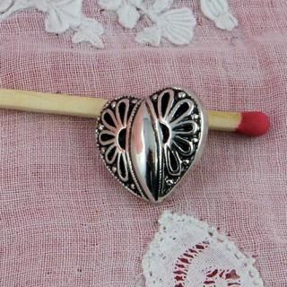 Metallic style plastic heart button, 15 mms.