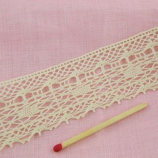 Vintage Cotton trim very thin 35 mms.