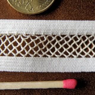 Vintage Elastic mehs lace ribbon 18 mms