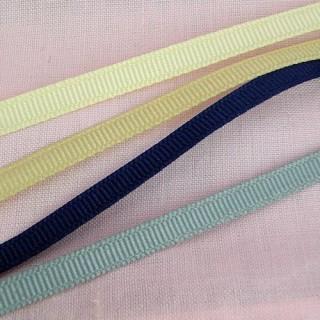 Grosgrain ribbon 6 mms width.