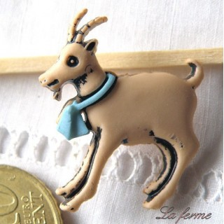 Animal Button, Goat shank button, 2cms.