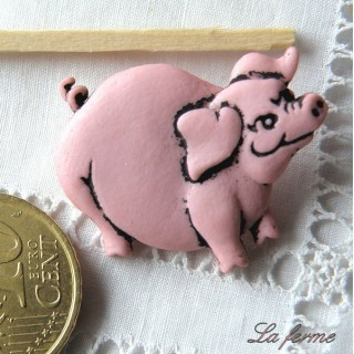 Plastic shank Button PIG