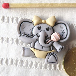 Button, elephant, baby fun shank button