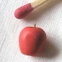 Pomme miniature maison poupée 1 cm.