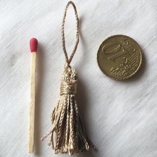 Pompon borla llavero soporte decorativo llave, 6,5 cm.