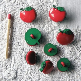 Red apples buttons Dress it Up, .