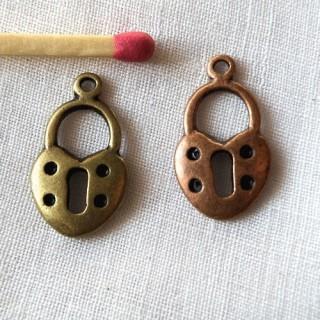 padlock miniature, pendant,bracelet charm,doll jewel, 1,7 cm