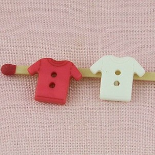 Button baby tshirt two holes