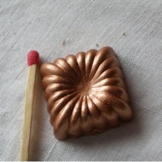 Form viereckiger Miniaturkuchen aus Kupfer 23 mm.