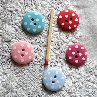 Polka dot 2 holes buttons 2 cm
