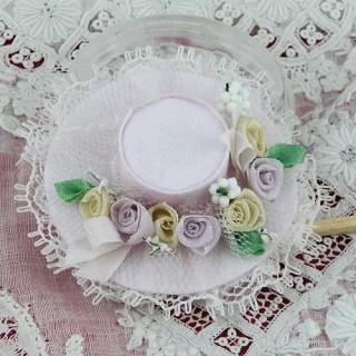 Chapeau miniature poupée modiste