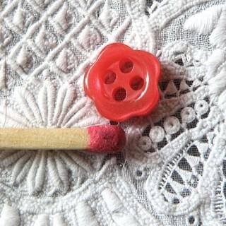 10 Flower plastic buttons 1 cm