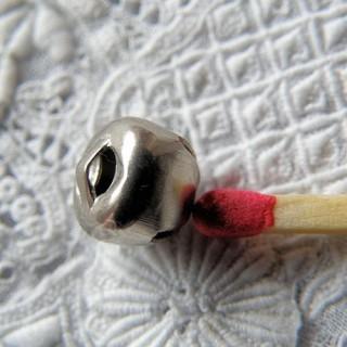 Glöckchen Mini- kleine Glocke Puppe 8 mm.