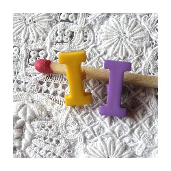 Bouton lettre alphabet I à pied 1,3 cm