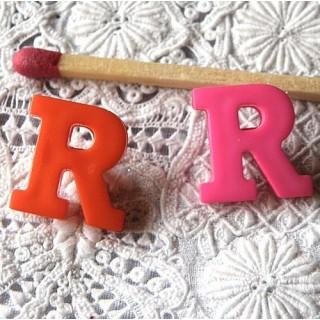 Bouton lettre alphabet R, à pied, 1,3 cm