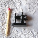 Vintage miniature Sewing machine 25 mm