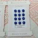 Carte petits boutons boules àpied