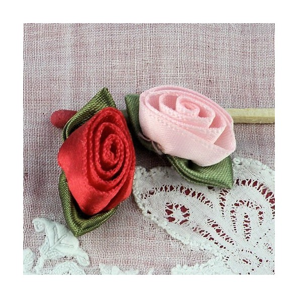 large rose ribbon with green leaves, 16 mms
