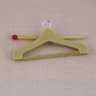 Kleiner Kleiderbügel der unbearbeitete Holz Kleiderständer Puppe 5 cm.
