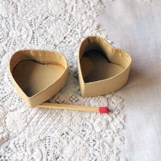 Heart paper box miniature for doll, decoration, jewels 3 sizes