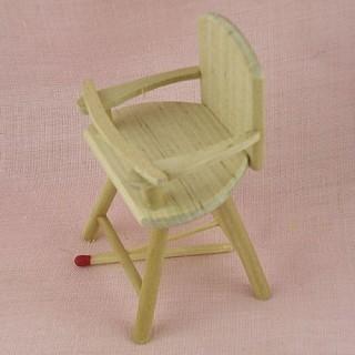 Chaise haute bébé miniature maison poupée,