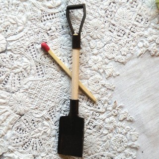 Square snow shovel miniature 9,5cm