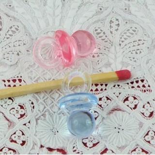 Muñeca de plástico en miniatura tetin 22 mm