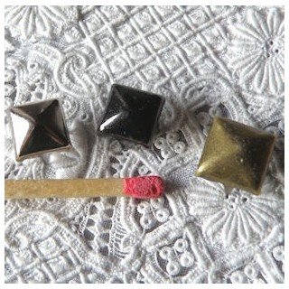 Brass Pyramid Studs Rock spikes spots 7 mms