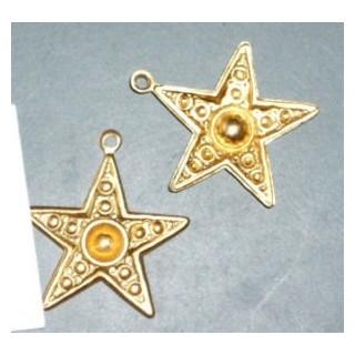 Embossed star charm pendant 2 cm