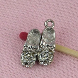 Pendant rhinestone slippers shoes, 2 cms.