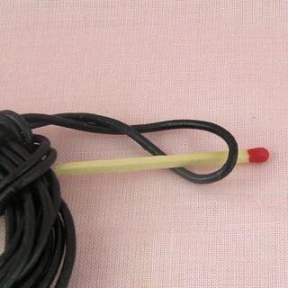 Lacet cuir noir 2 mm en rouleau.