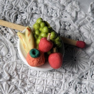 Apples, bananas, grape fruits miniatures plate for doll,