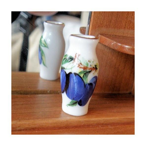 Ceramic flower pot, vase doll house miniature , 3cm.