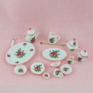 miniature set 35 pieces in painted china.