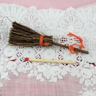 Mini Petit Balai sorcière miniature rond 8 cm