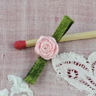 Rosa en cinta con pétalos 3 cm.