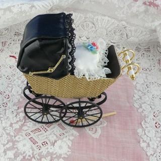 Kleines Landau Haus Puppe Heidi Ott