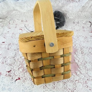 Country Mini Basket With Wood Lid  square- 2.5 x 3.5 inches , doll miniature, decoration,