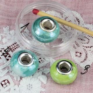 Large hole glass beads 17 mms.