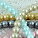 Perle ronde verre nacrée 8 mm.