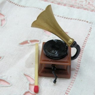 Gramophone miniature maison poupée