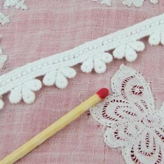 Galón Encaje bordado algodón rústico trébol 15 mm