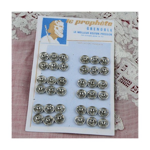 Carte 36 boutons pression 6mm.
