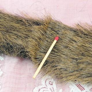 Piel sintética rellena por 10 cm de la cinta.