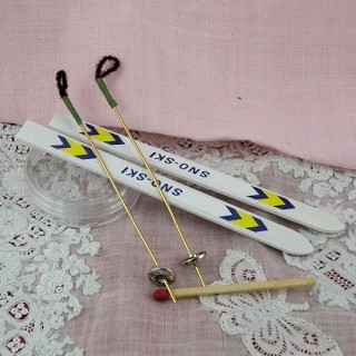 Miniature skis for dollhouse