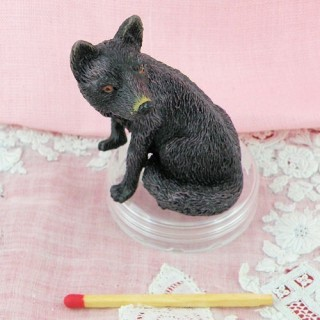 Plastic fox dollhouse animal miniature 5 cm,