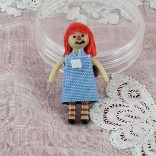 Kleine winzige Puppe für Puppe 3 cm.