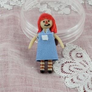 Muñeca miniatura minúscula para muñeca 3 cm.